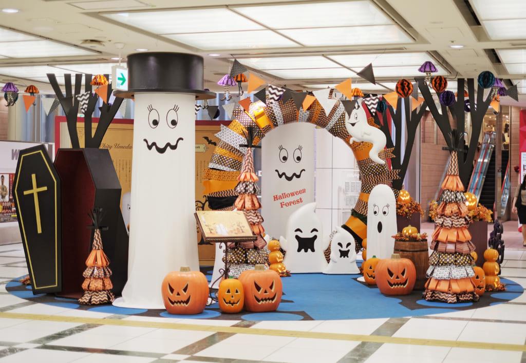 弊社プロデュースのハロウィン装飾が「ホワイティうめだ」に登場!