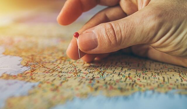 地図とピン